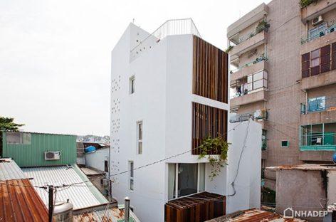 Micro Town House | MM+ Architects: Diện mạo mới cho nhà trong hẻm