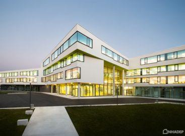 Thiết kế hiện đại của trường trung học Ergolding, CHLB Đức