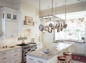 Bí quyết treo vật dụng sáng tạo trong phòng bếp