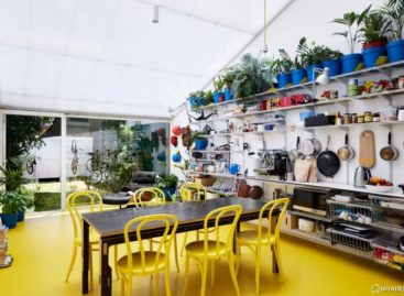 Chiêm ngưỡng ngôi nhà với tông màu vàng nổi bật ở Melbourne