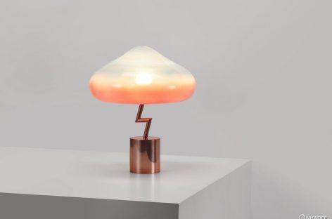 Vẻ đẹp thu hút của chiếc đèn hình đám mây Lightning Lamp