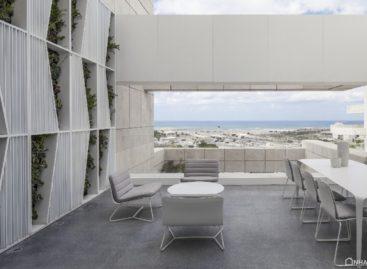 Căn hộ Penthouse Layers of White với thiết kế tối giản tại Israel