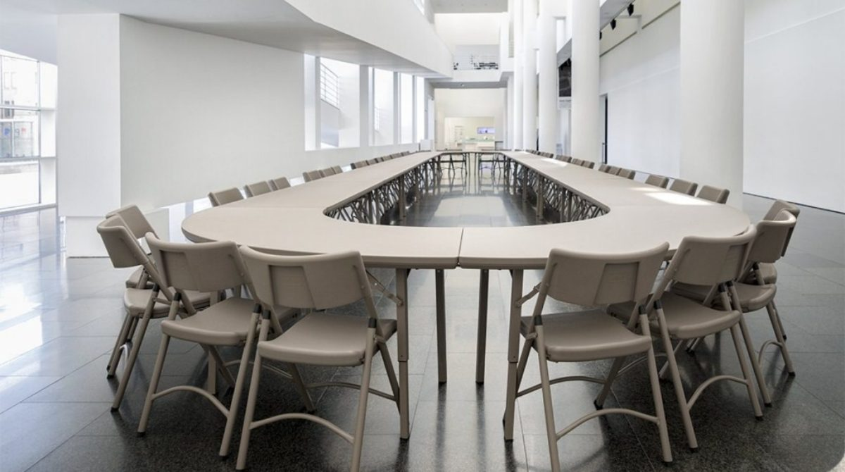[Sản phẩm nhập khẩu] Ấn tượng với bàn ghế xếp chuyên dùng đến từ thương hiệu Zown