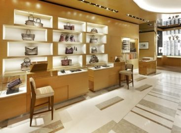 Louis Vuitton và cửa hiệu Maison Rome Etoile tại Ý