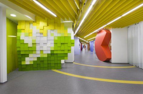 Dạo quanh văn phòng làm việc đầy màu sắc của công ty Yandex
