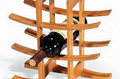 Độc đáo với kệ rượu bằng gỗ