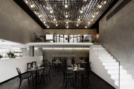 Thiết kế đẳng cấp và sang trọng của nhà hàng 1A tại Pháp
