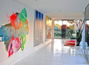 Trang trí nội thất rực rỡ với gam màu neon