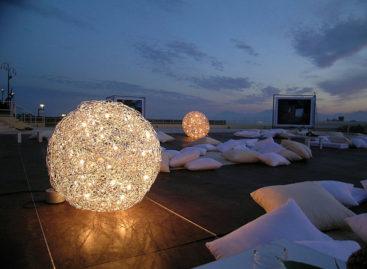 10 mẫu đèn ngoài trời tỏa sáng hành lang nhà bạn