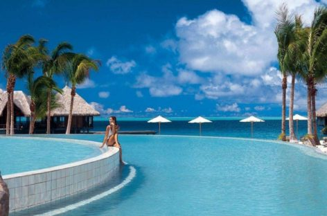 Top 10 bể bơi vô cực đẹp nhất của công ty Hilton Worldwide