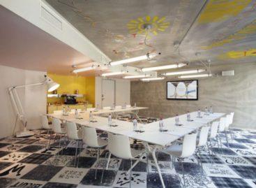 Chiêm ngưỡng không gian rực rỡ sắc màu và ấm cúng của khách sạn Mama Shelter