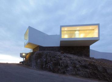 Những ngôi nhà giáp biển với thiết kế hiện đại ở Peru