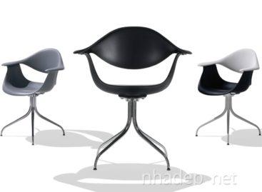 Chiếc ghế Swag Leg với những đường cong mềm mại