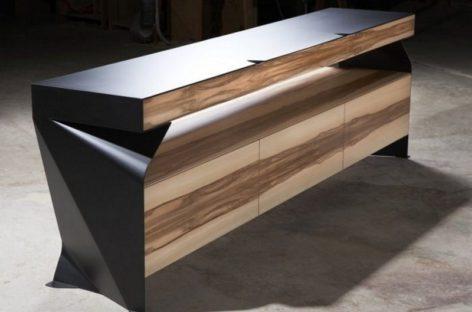Chiếc bàn thiết kế hiện đại của Marcus Friesl