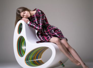 Lạ mắt với chiếc ghế Double Position sắc màu đầy cá tính