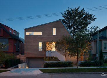 Ngôi nhà bất cân xứng East Van House tại Vancouver
