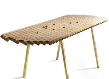 Chiếc bàn Atlas độc đáo được làm từ những khối gỗ sồi