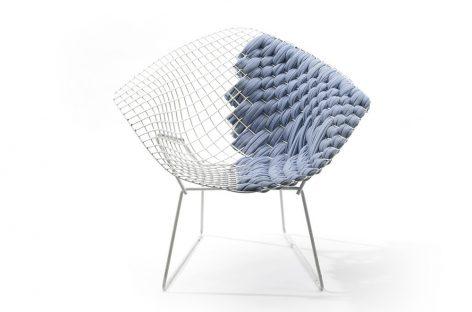 Chiếc ghế Bertoia Loom độc đáo với chất liệu vải dệt