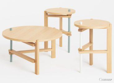 Những chiếc bàn gỗ chân xếp có thiết kế độc đáo