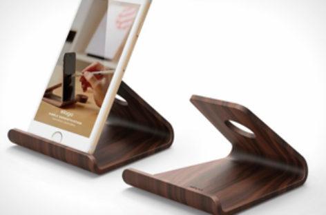 Chiếc đế điện thoại Wood 2 đơn giản và tiện lợi