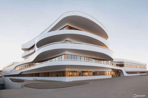 Ngắm nhìn tòa nhà văn phòng có kiến trúc ấn tượng tại Đức