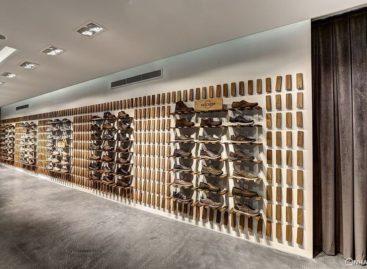 Showroom giày ấn tượng với cách bày trí sáng tạo