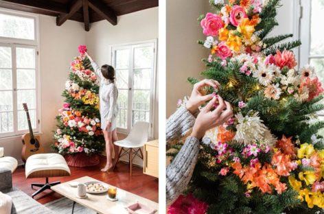 Biến tấu đẹp mắt của những cây thông giáng sinh được trang trí bằng hoa