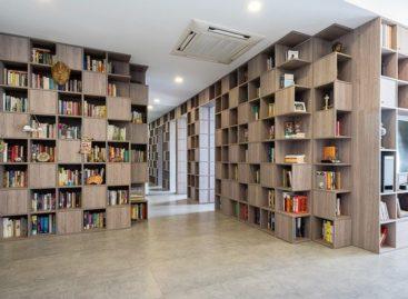Những bức tường sách khổng lồ trong căn hộ Sài Gòn 110 m2 được thiết kế bởi Tạ Vĩnh Phúc