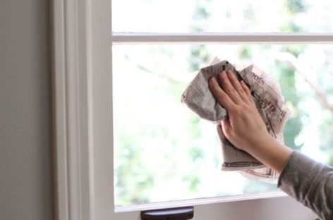 [Hỏi đáp với Nhà Đẹp] Gương trong phòng tắm bị mốc ố và bị mờ