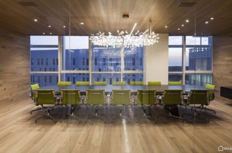 Văn phòng hiện đại được thiết kế bởi Orly Shrem Architects