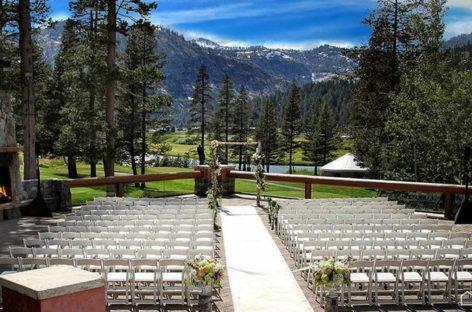 Bàn ghế xếp Zown – Tạo dấu ấn riêng cho tiệc cưới với các kiểu bố trí bàn tiệc đa dạng (Phần 3)