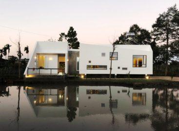 Ngôi nhà như đoàn tàu nhỏ trên cao nguyên Đắk Lắk