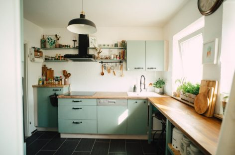 Tái thiết kế không gian bếp chỉ với ngân sách dưới 400 euros